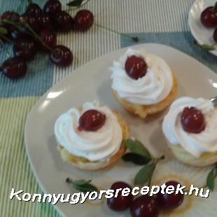 Tejszínes vanílíia krémes meggyes kosárka! recept