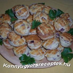 Kacsazsíros-lila hagymás pogácsa recept
