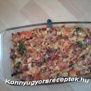 Lazacos sonkás sült zöldségek recept