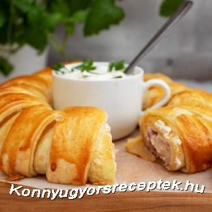 Húsvéti sonka koszorú leveles tésztából recept