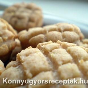 Diétás tejfölös-túrós pogácsa recept