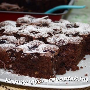 Csokoládés-meggyes brownie recept