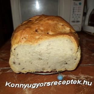 Lila hagymás diós kenyerem recept