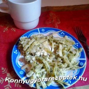 Spenótos metélt tejföllel recept