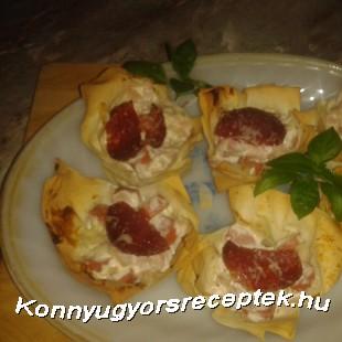 Szalámis rétes kosárka gazdagon recept