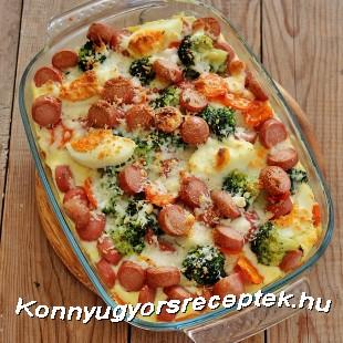 Brokkoli tojással, virslivel, csőben sütve. recept