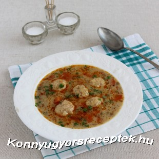 Lencseleves kolbászmorzsás krumpligombóccal recept