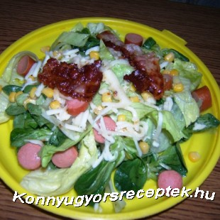 Virslis baconos saláta recept
