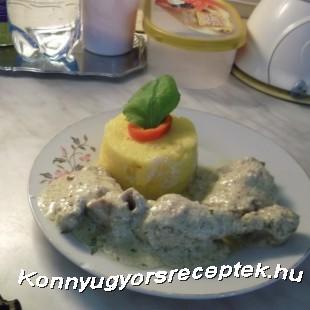 Fokhagymás csirke puliszkával recept